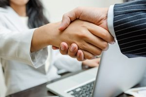 Get clients through LinkedIn: Simple Handshake