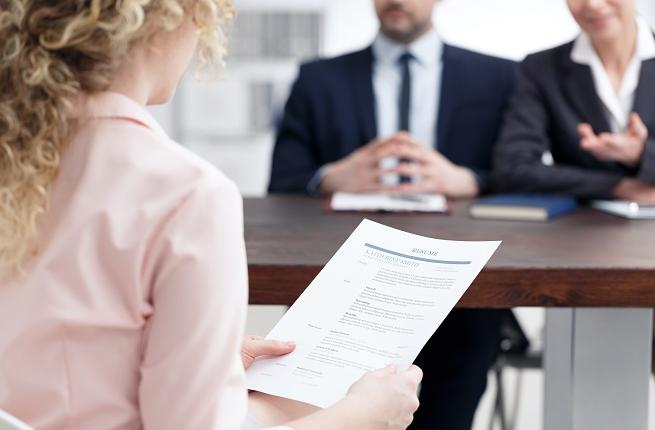 9 Actions To Stand Out In A Job Interview